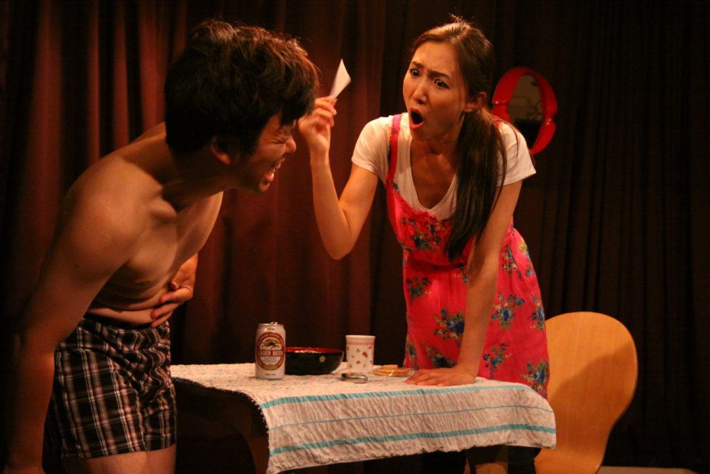 2011年2月『仮面夫婦の鏡』初演 (「劇王Ⅷ」長久手町文化の家風のホール) 撮影=森 達行
